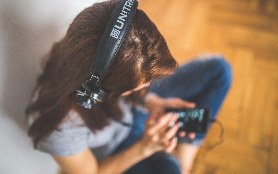 10 podcastů na výuku angličtiny